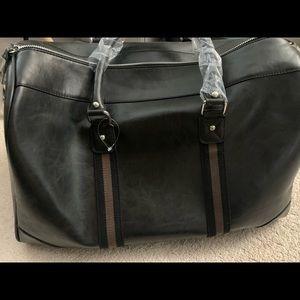 NWT Travel bag- leather - large capacity